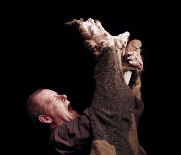 Trailer Videoproduktion für Christoph Bochdanskys Stück Im Blut